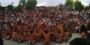 bali uluwatu kecak and fire dance tour